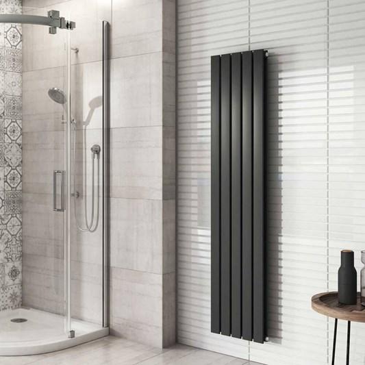 вертикальный радиатор в ванной