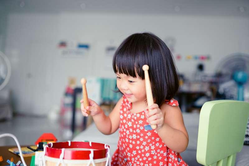 когда начинать учить малыша музыке